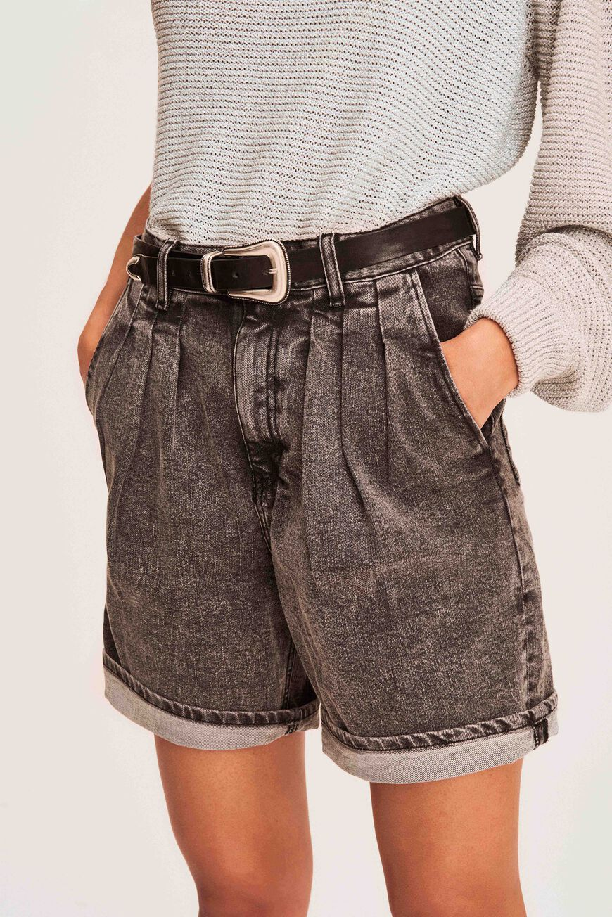 SHORT SINDIA JUPES & SHORTS