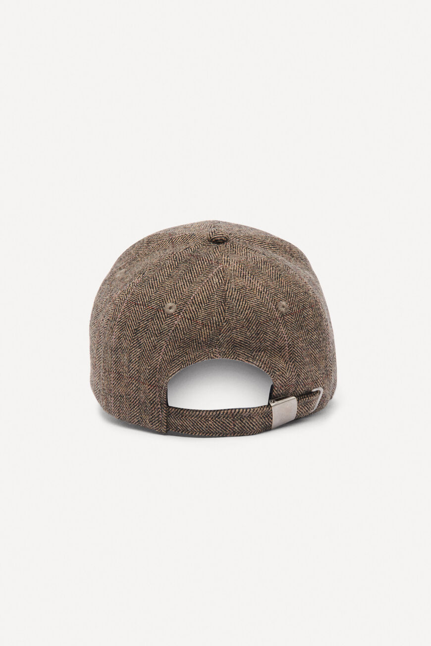 CAP LHANNA Main